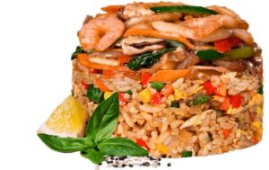 Жареный рис по тайски с морепродуктами