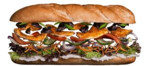 Сэндвич с курицей и овощами в соусе Спайси