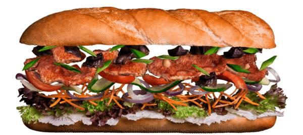 Сэндвич с телятиной и овощами в соусе Спайси
