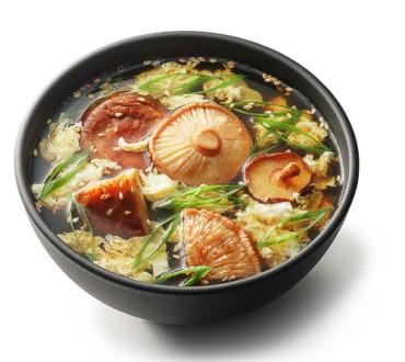 Суп с грибами шиитаке и саке