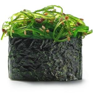 sushi-s-morskim-grebeshkom-2